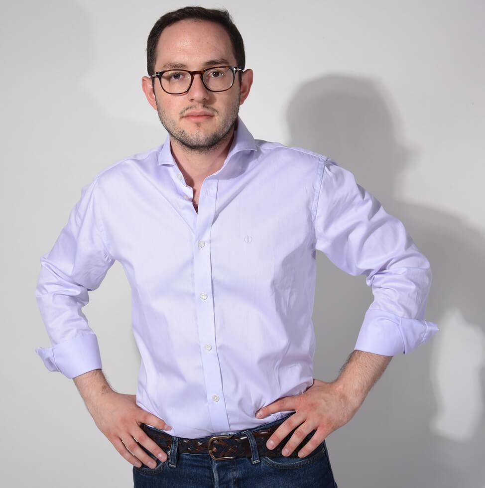 Bledá košeľa - ALAIN DELON