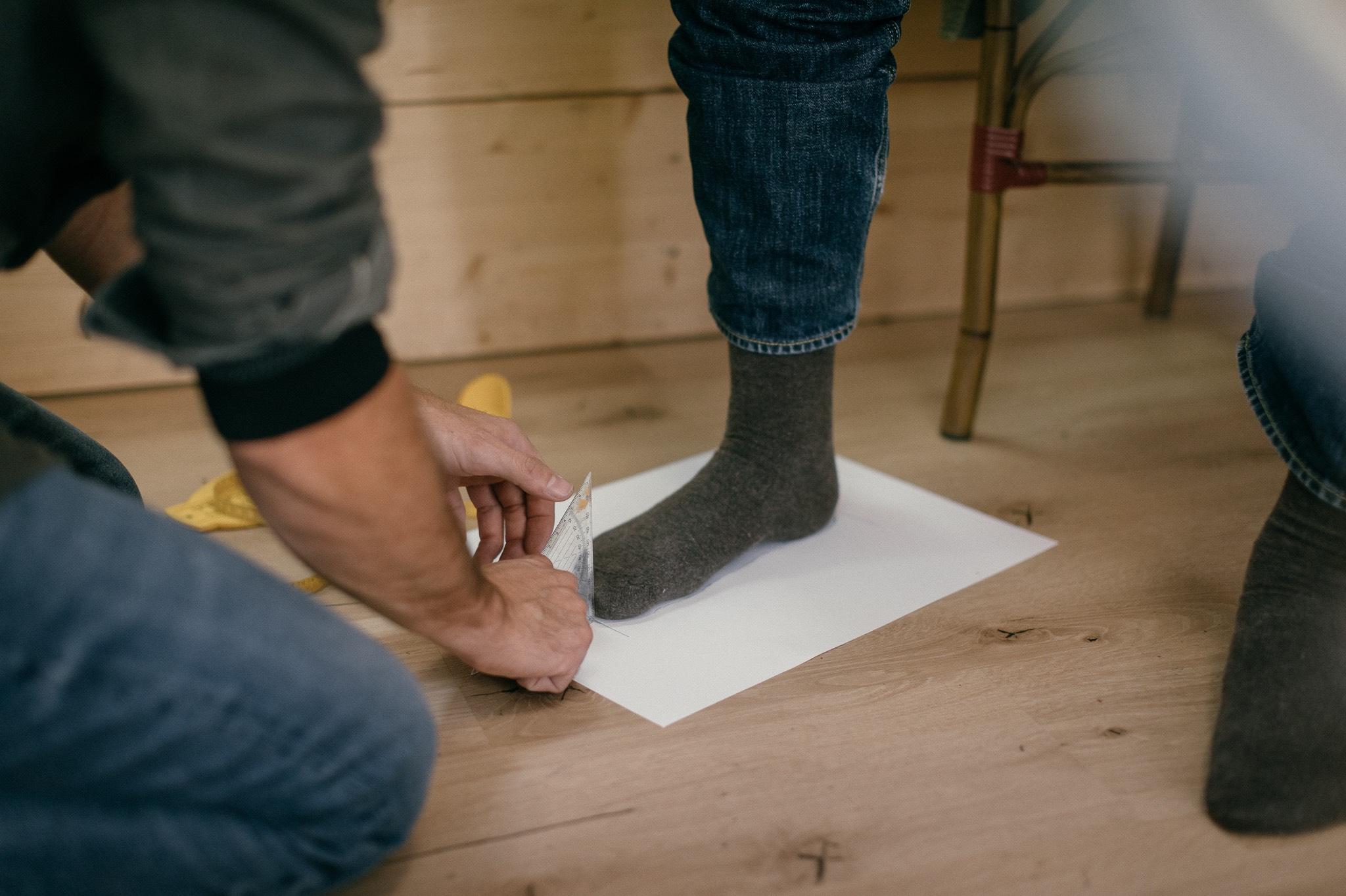 b554d229a1 Ručne šitá obuv à la Pažitný – customizácia dotiahnutá do perfekcie ...
