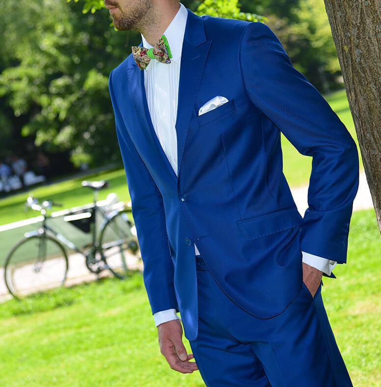 Modrý oblek